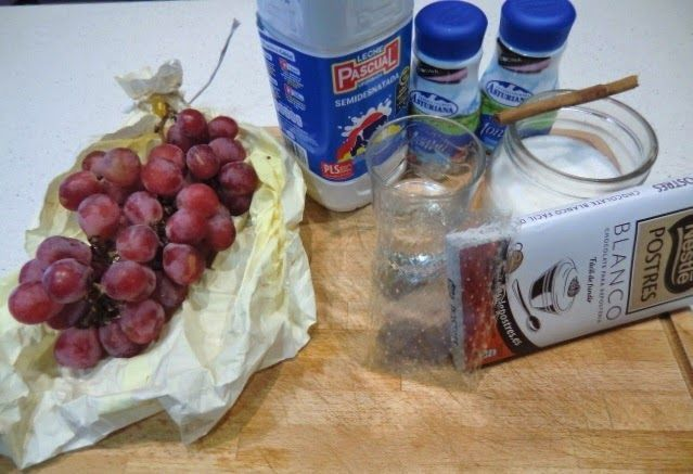 Panna Cotta de chocolate blanco y uvas del vinalopó ingredientes
