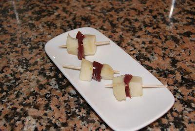 Pinchitos de Pera con Gelatina de Vino