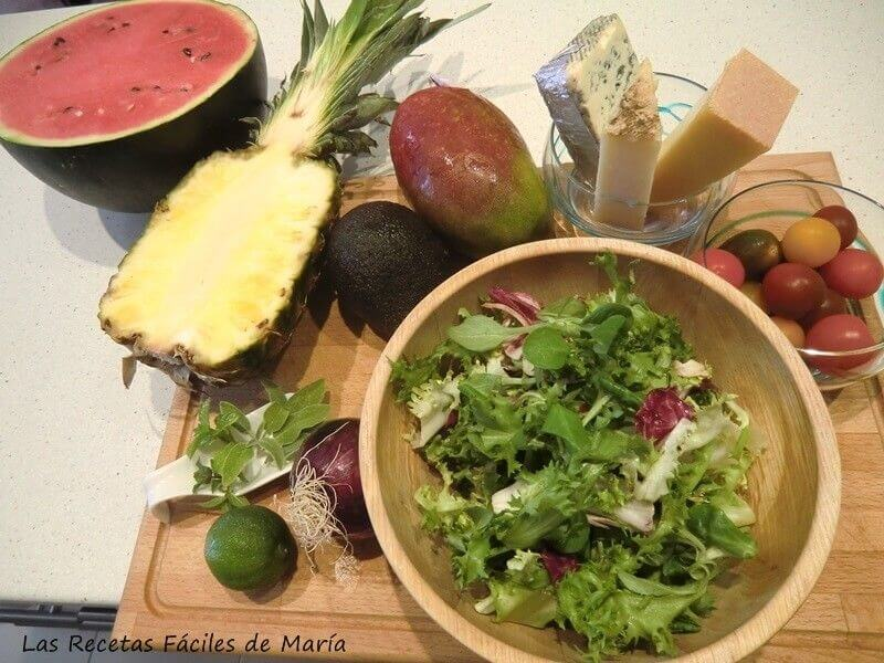ingredientes ensalada de frutas y quesos selectos